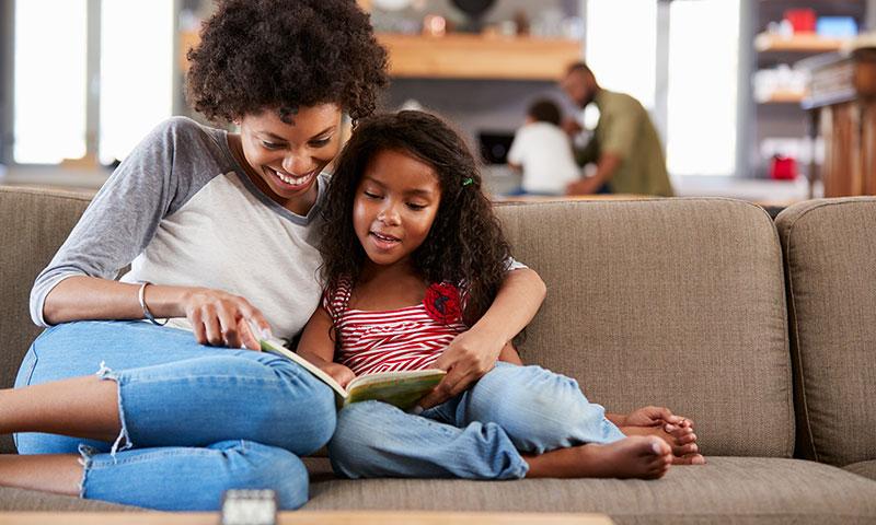 Parent read to kid